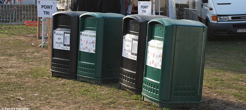 poubelles de tri pendant le festival